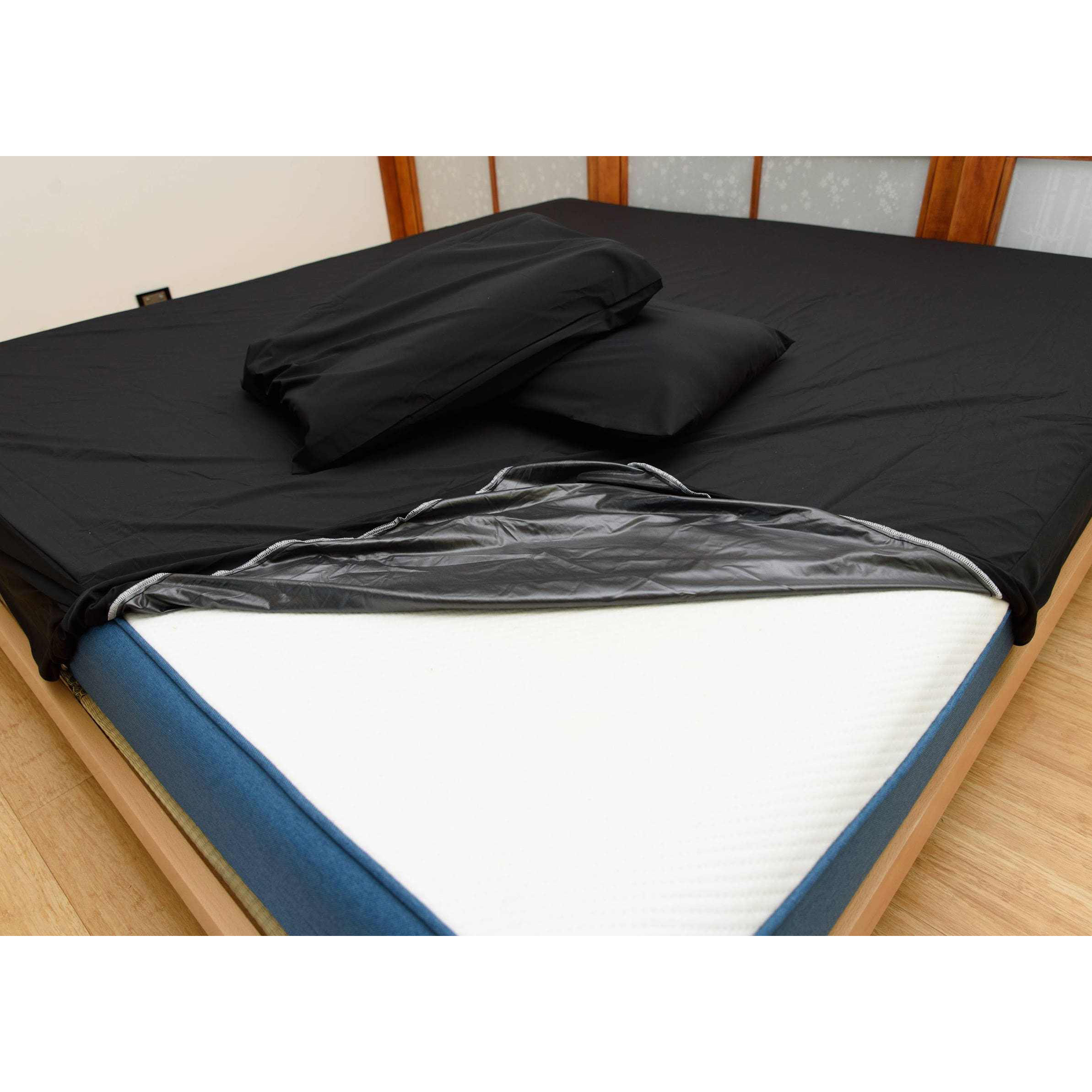 Waterproof Bed Sheet Covering your sleeping sheets