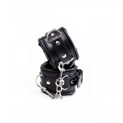 Love in Leather Berlin Baby Padded Faux Leather Hand Cuffs Black B HAN18BLK 2811418212118 Detail