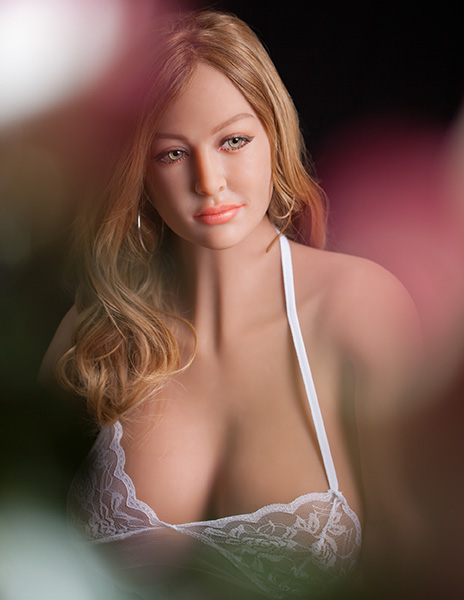 Pipedream-Ultimate-Fantasy-Dolls-Bianca-RD342-Bianca-RoseBokeh