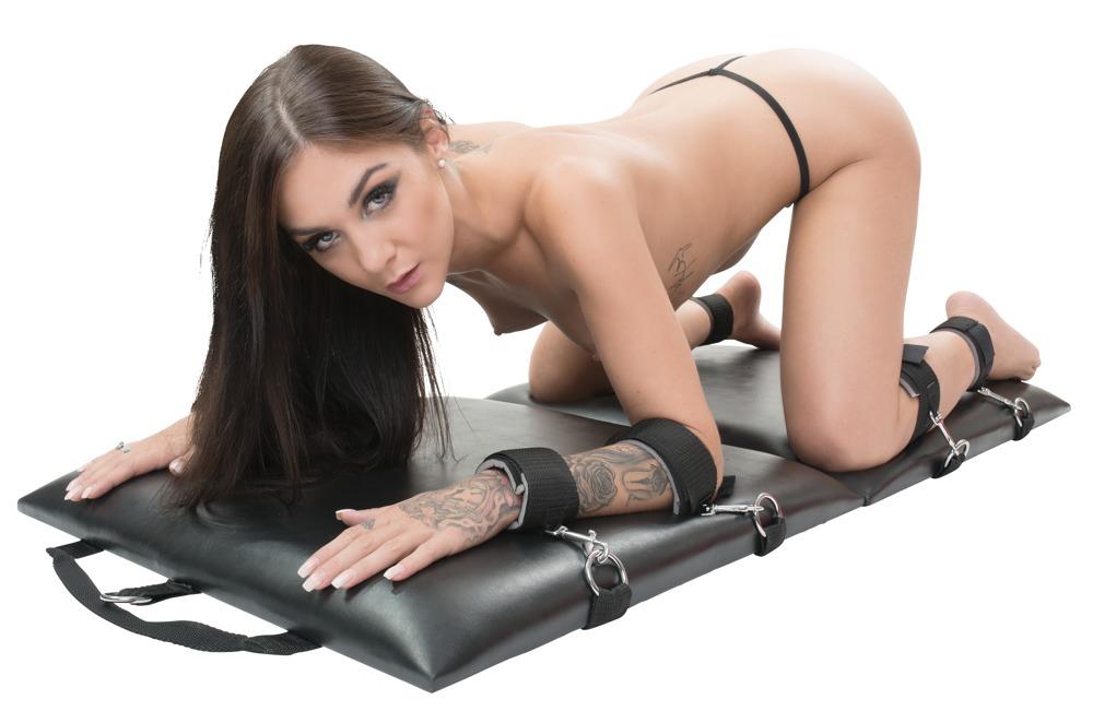 You2Toys Bondage Board Portable Restraint Set 05336290000 4024144545100 Alternate Model Detail